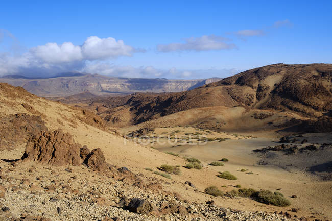 Spain, Tenerife, Teide National Park, Caldera de las Canadas with blue sky on background — Stock Photo