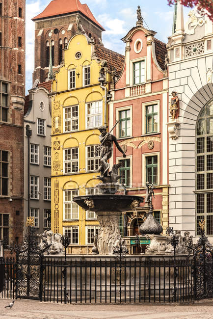 View of The Neptune Fountain in front of the Artushof, Poland, gdansk — Stock Photo