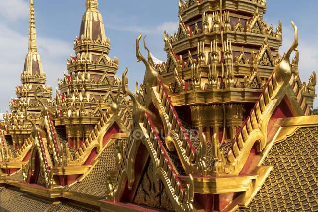 Бангкок, Таїланд, Asien, Золотий Chedis Wat Ratchanatdaram буддійського храму комплексу, Бангкок, Таїланд, Азії — стокове фото