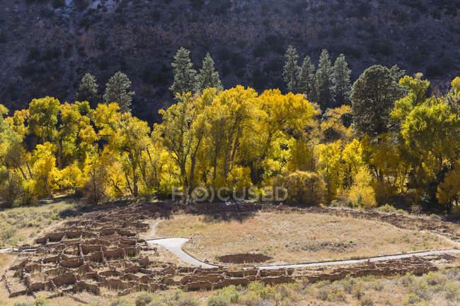 США, США, Нью-Мексико, руїни спадкового Pueblo людей — стокове фото
