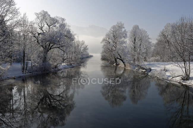 Germania, Baviera, gelo a Loisach vicino a Kochel am See — Foto stock