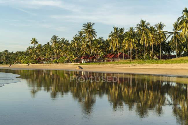 Sandstrand von Ngwe Saung, Myanmar, Asien     sandy beach, Ngwesaung, Myanmar, Asia — стокове фото