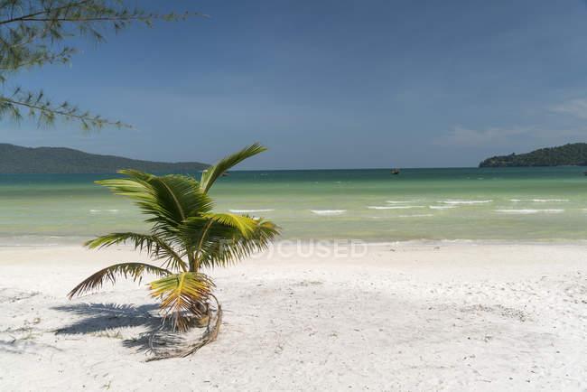 Saracen Bay beach, Koh Rong Sanloem island, Sihanoukville, Cambodia, Asia — Stock Photo