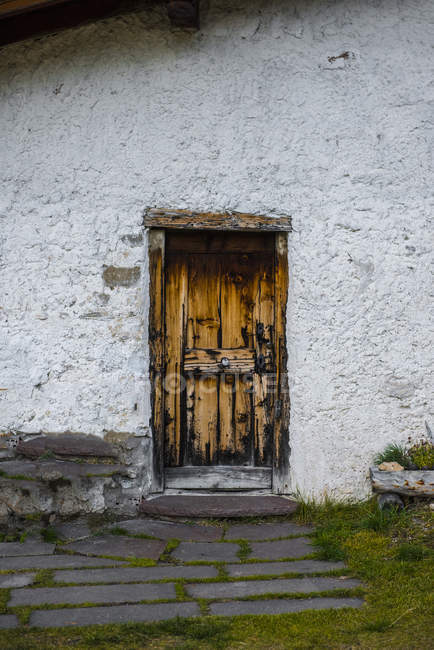 Italy, South Tyrol, Funes Valley, Door of mountain cabin — Stock Photo