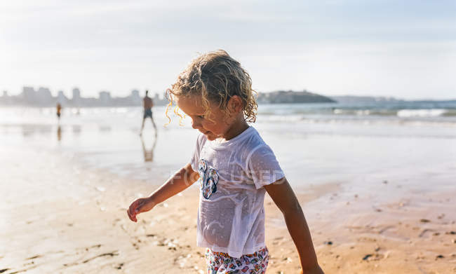 Portrait of a kid on the beach, Gijn, Asturias, Spain — Stock Photo