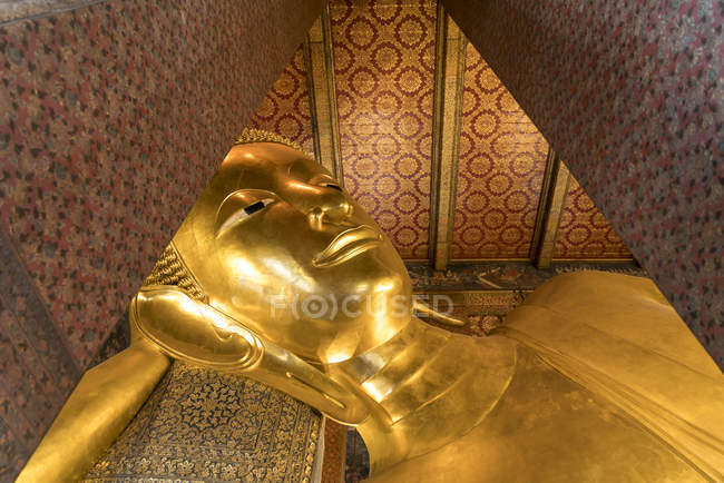 Riesigen liegenden goldenen Buddha des Tempels Wat Pho, Bangkok, Thailand, Asien — Stockfoto