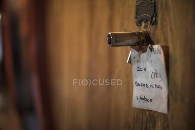 Cape Town, Afrique du Sud, étiquette sur le tonneau de vin — Photo de stock