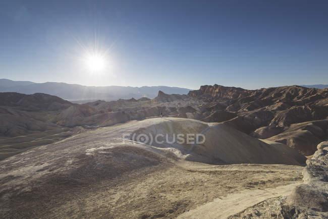 États-Unis, Californie, Death Valley National Park, homme à Zabriskie Point — Photo de stock