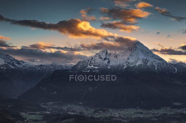 Allemagne, Bavière, Berchtesgaden, Découvre au Watzmann au coucher du soleil — Photo de stock