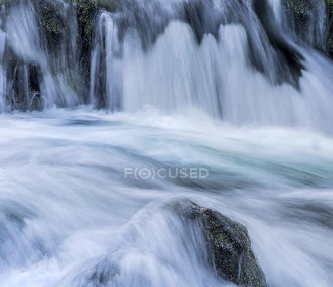 Austria, Rossleithen, arroyo Piessling y arroyo de agua - foto de stock