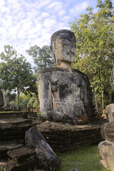 Thailand, Kamphaeng Phet, Buddha statues of Chakangrao, UNESCO World Heritage — Stock Photo