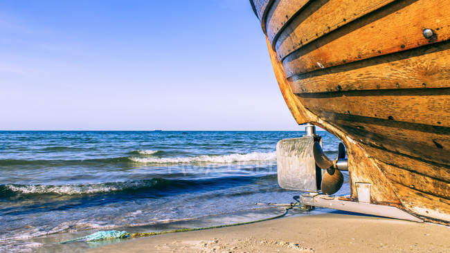 Germany, Ruegen Island, hull on the beach at seafront — Stock Photo