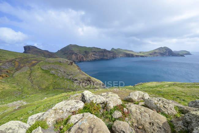 Reserva natural de Portugal, Madeira, Ponta Sao Lourenco, Península en la costa este - foto de stock