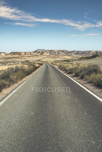 Carretera vacía España, Logroño, durante el día - foto de stock