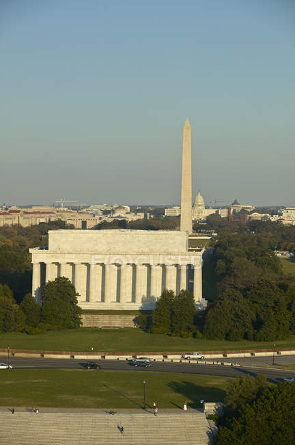 USA, Washington, D.C., Aerial photograph of Washington Monument and Lincoln Memorial — Stock Photo