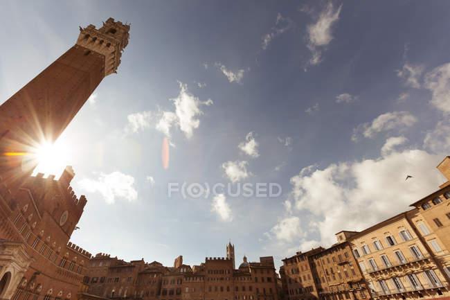 Італія, Тоскана, Сієна, Пьяцца Кампо-дель-з синього неба — стокове фото