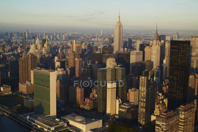 Повітряна фотографія ділового району Нью-Йорка Midtown рано вранці, США — стокове фото
