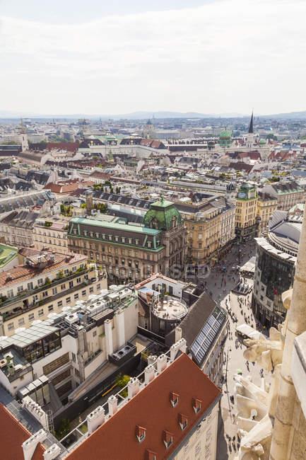 Paisaje de Austria, Viena, con las compras de la calle Graben - foto de stock