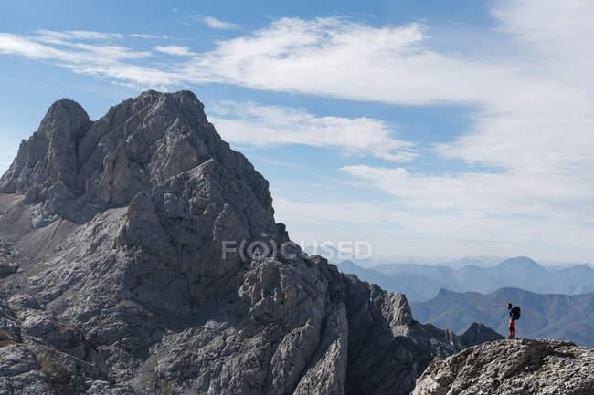 Spain, Picos de Europa, mountaineer in mountainscape — Stock Photo