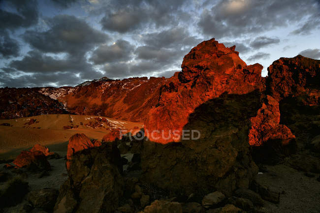 The volcanic landscapes of the Mount Teide National Park resemble Mars in places — Stock Photo