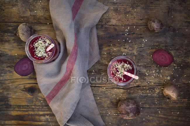 Glasses of beetroot smoothies — Stock Photo