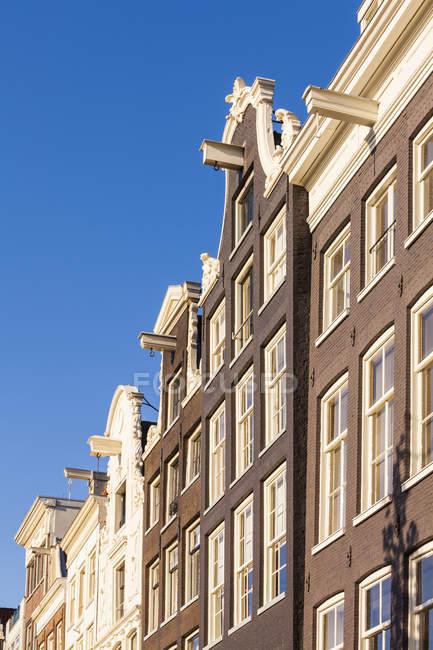 Netherlands, Amsterdam, row of canal houses at Prinsengracht — Stock Photo
