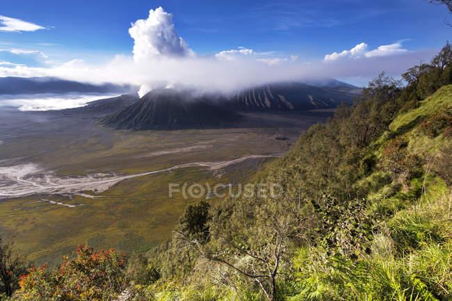 Indonesia, East Java, Bromo Tengger Semeru National Park, Mount Bromo, Mount Semeru during daytime — Stock Photo