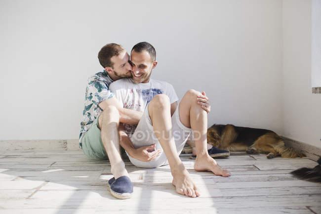 Ласковая гомосексуальные пары — стоковое фото