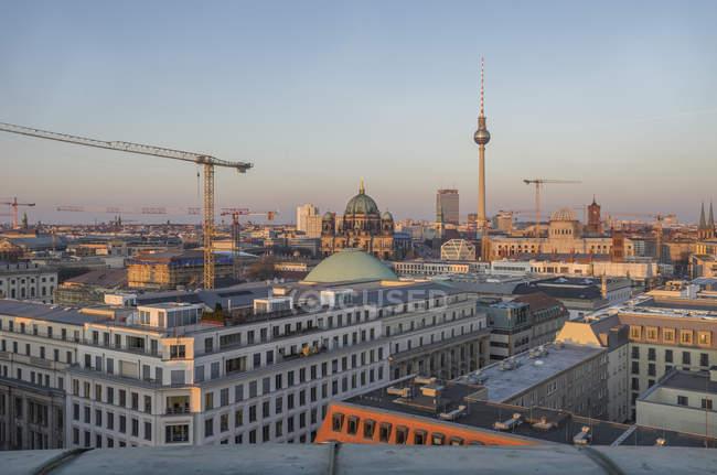 City view at evenin, Berlin — Stock Photo