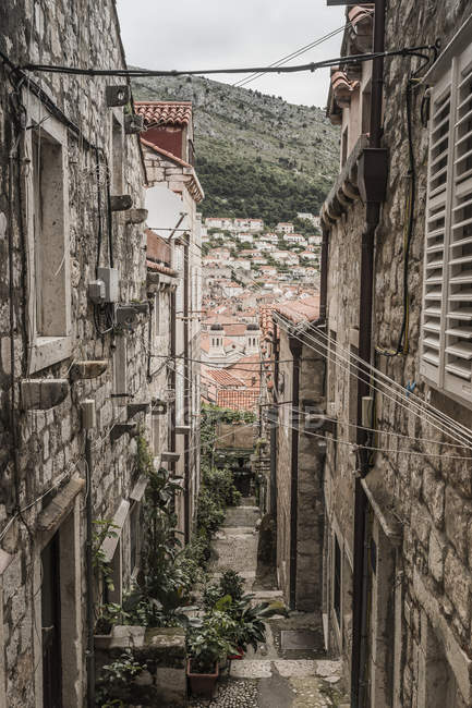 Narrow alley in the old town — Stock Photo