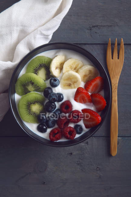 Ciotola di yogurt naturale — Foto stock