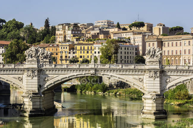 View to city with Tiber river — Stock Photo