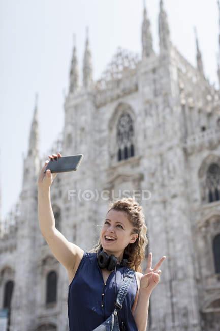 Туристична беручи selfie — стокове фото