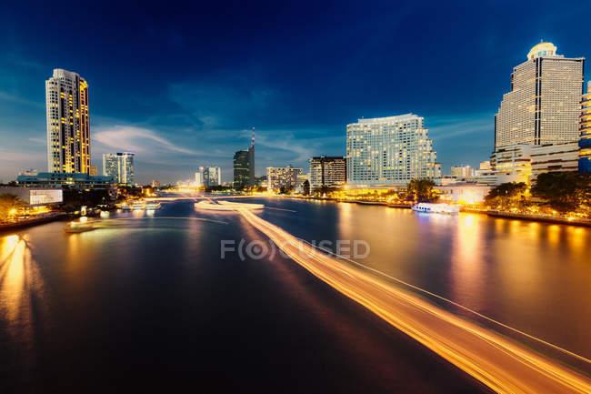 Skyline e fiume Chao Praya — Foto stock