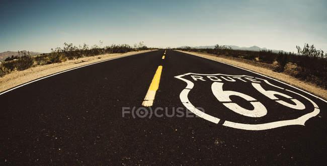 Вид пустого маршрута 66 — стоковое фото