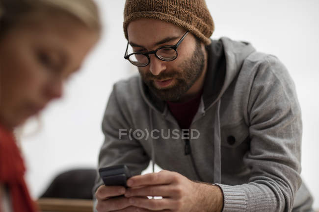 Young creative professionals discussing new ideas — Stock Photo