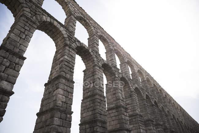 Vue partielle de l'aqueduc romain, Ségovie, Espagne — Photo de stock