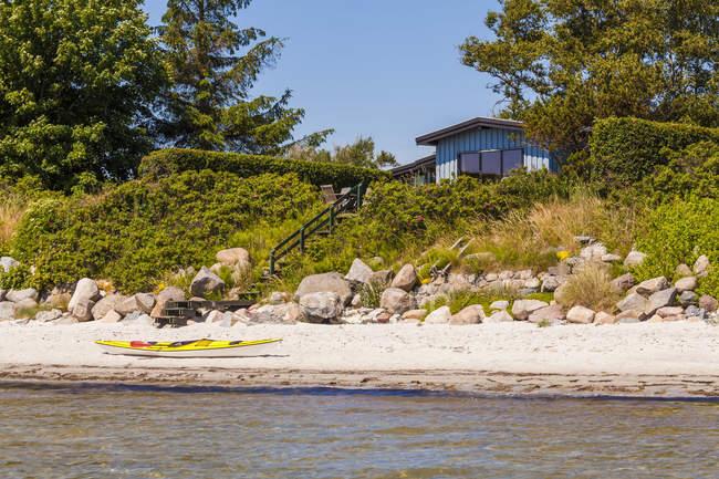 Будинок відпочинку на пляжі, Пн острів — стокове фото
