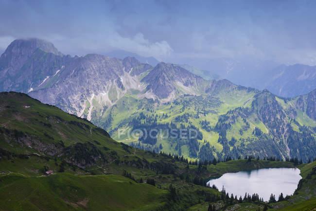 Вид с Zeigersattel Seealpsee — стоковое фото