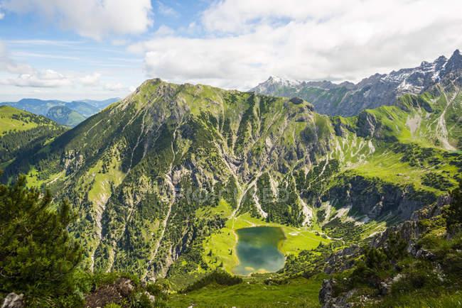 Верхнее озеро Gaisalp — стоковое фото