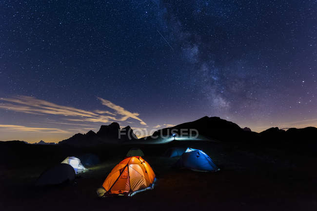 Via leitosa sobre a montanha Pelmo — Fotografia de Stock