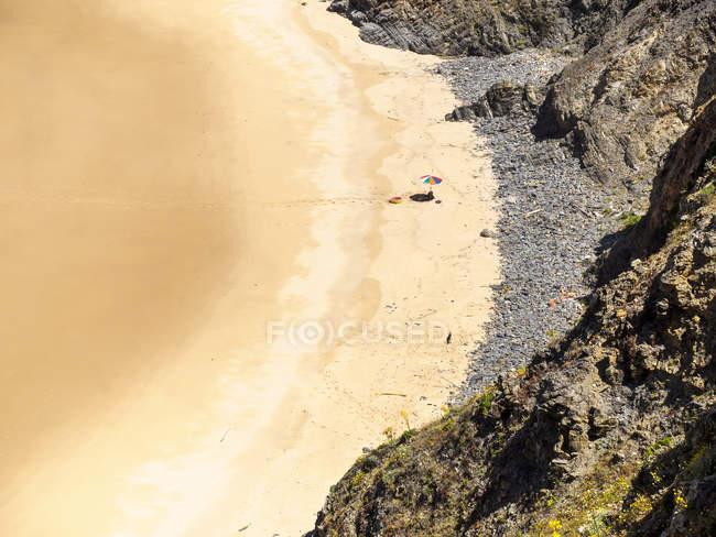 Praia do Tonel with sunshade — Fotografia de Stock