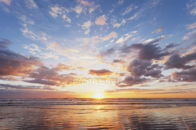 Waihi пляж на сході сонця — стокове фото