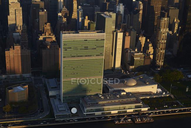Fotografia aérea das Nações Unidas, baseando-se a margem do East River em Nova Iorque, EUA — Fotografia de Stock