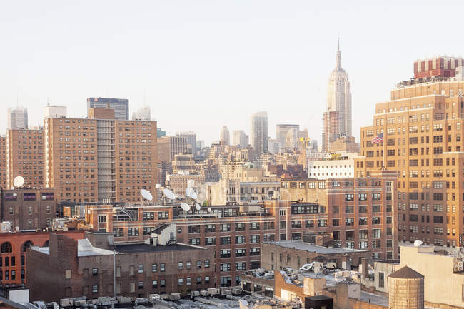 Paisagem urbana aérea com o distrito de embalagem de carne em luz solar, EUA, Nova Iorque — Fotografia de Stock