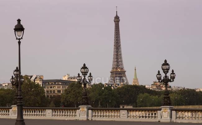 Rance, Paris, Pont Alexandre III, Eiffel Tower in background — Stock Photo