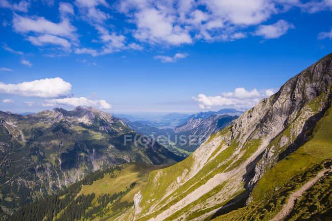 Германия, Бавария, Stillach долина, видно из Rappensee хата — стоковое фото