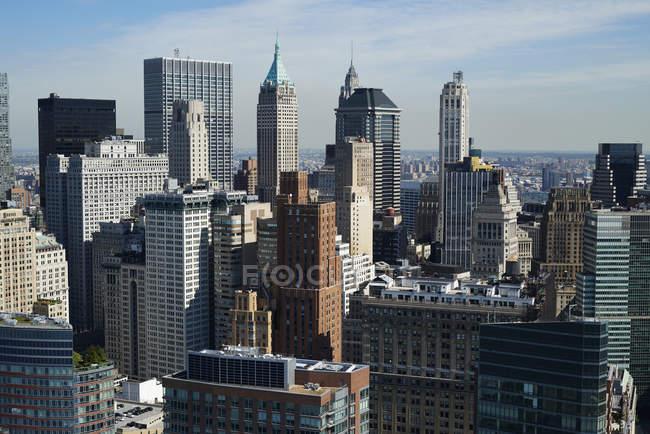 Début après-midi photographie aérienne de la New York City Financial District (Wall Street) à la pointe sud de l'île de Manhattan, New York, é.-u. — Photo de stock