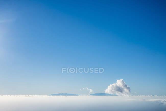 Тучи на небе в дневное время — стоковое фото
