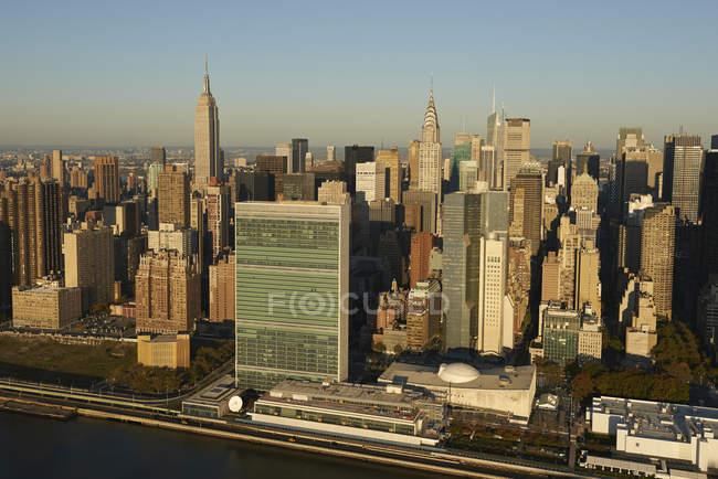 Fotografia aérea do edifício das Nações Unidas, ao longo do Rio East em Nova Iorque, EUA — Fotografia de Stock